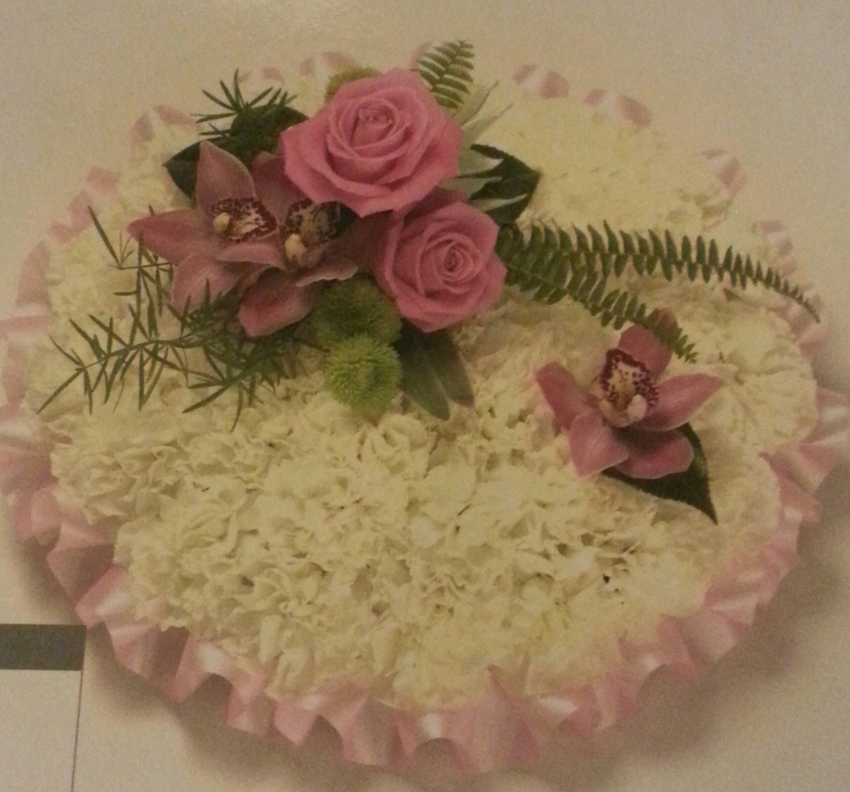 Eileen Jenkins pink ribbon edged based posy pad