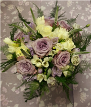 lilac and ivory cottage bouquet