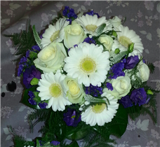 minuet lizzianthus, gerbera and rose bouquet