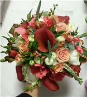 coral shade bridal bouquet