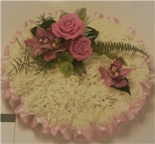 pink ribbon edged based posy pad
