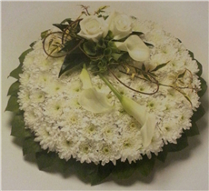 foliage edge based posy pad
