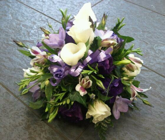 Eileen Jenkins Traditional table posies